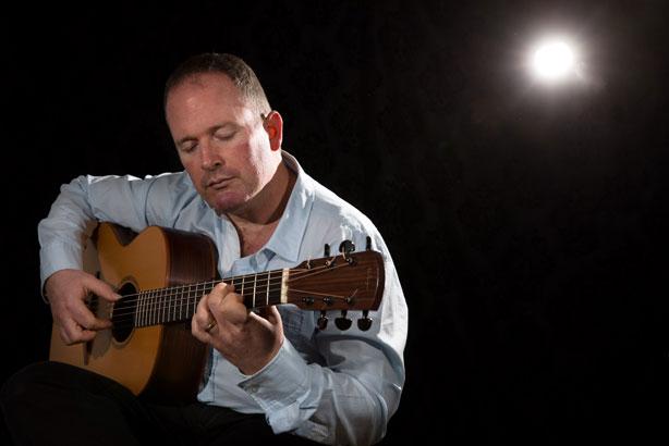Geoff Robb - Spanish & Classical Guitarist