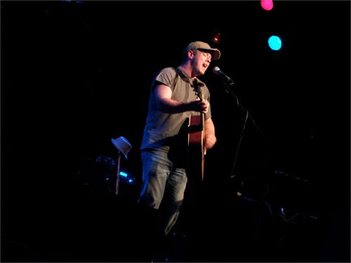 Richard Davis - Acoustic Guitarist & Singer