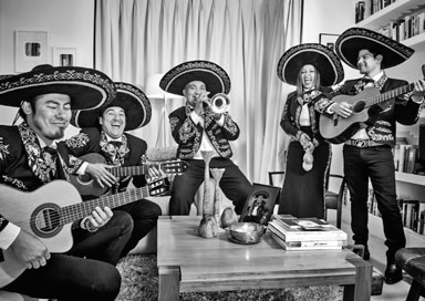 Los Mariachis picture