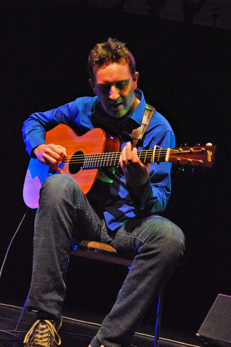 Clive Carroll - Acoustic Guitarist - Concert Bookings Only