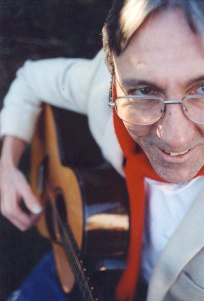 Ken Hinchley - Medieval Guitarist