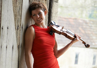 Elizabeth Coombes - Acoustic / Amplified Wedding Violinist