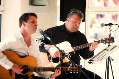 Richard Horne - Acoustic Singer / Guitarist