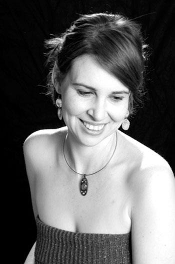 Dora Briggs - Celtic Harpist