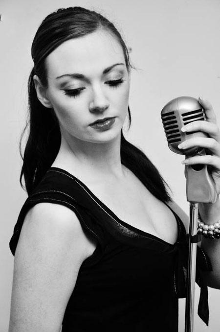Jennifer Nadine - Singer