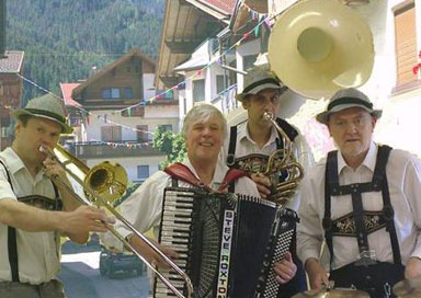 The Oompah Loompahs - German Oompah band