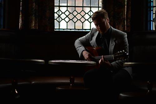Russell Cottingham - Classical / Popular Guitarist