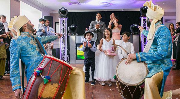The Wedding Dhol Drummers - Dhol Drummers