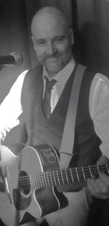 The Sussex Singer Guitarist - Singer/Guitarist