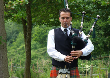 Dan the Piper - Bagpiper