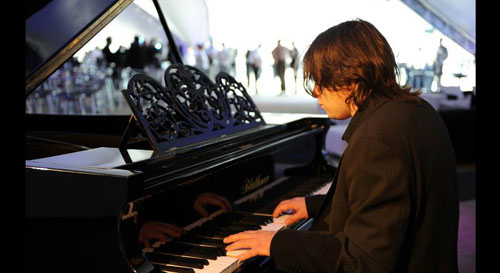 Simon Christopher - Pianist / Vocalist