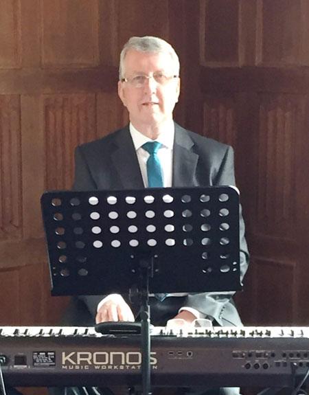 Daniel Vale - Pianist