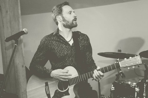 The Shades - Acoustic Folky Covers Duo