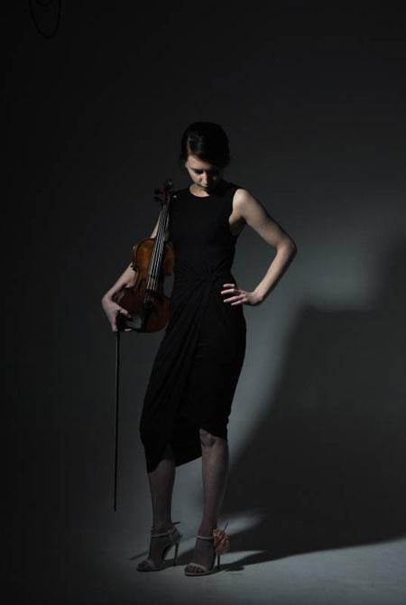 Rachel the Violinist - Violinist