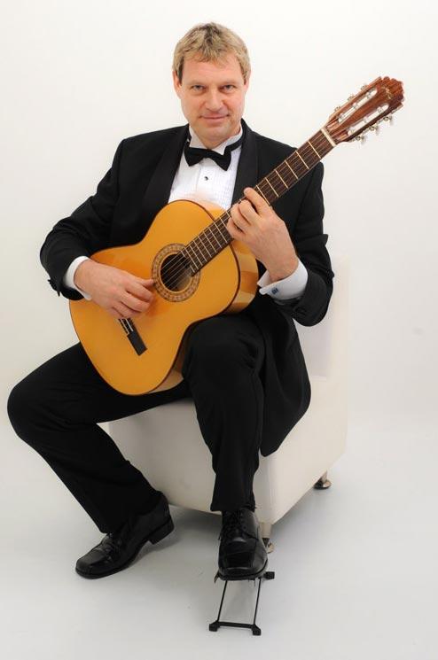 Jonas Tremaine - Wedding Guitarist