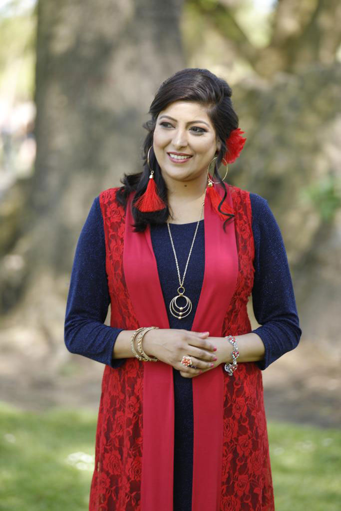 The Midlands Sangeet Singer - Bollywood and Punjabi Folk Singer