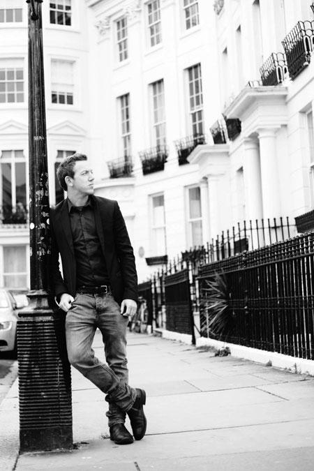 Tom Taylor - Guitarist Vocalist