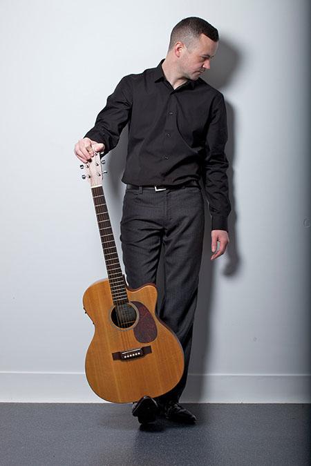 Owen - Singer Guitarist