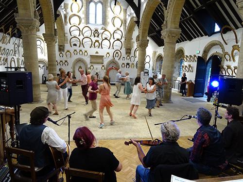 East Midlands Ceilidh Band - Ceilidh & Barn Dance Band and Dance Caller