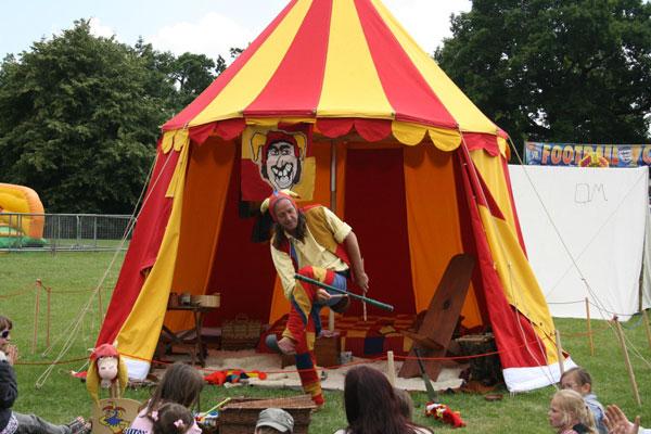 The Cambridge Jester - Jester, Circus Performer & Children's Entertainer