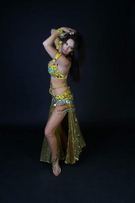 The Python Belly Dancer - Belly dancer and snake dancer