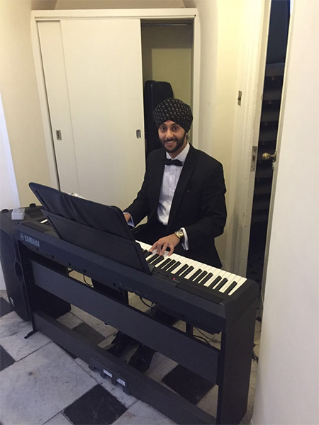 The Piano Man - Bollywood Pianist