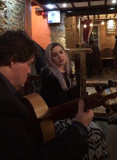 The Pablo Cortez Duo (with singer) - Spanish Singer & Guitarist