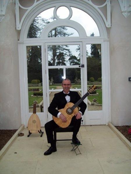 Andrew Wilkes - Classical Guitarist