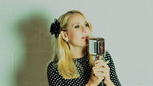 The Jazz Woman - Solo Jazz Swing Singer