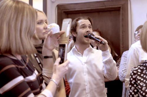 The Secret Singing Waiters - Singing Waiters