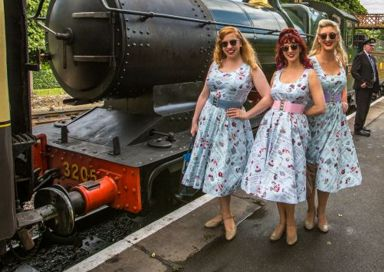 The Sugar Sisters - Vintage vocal harmony trio