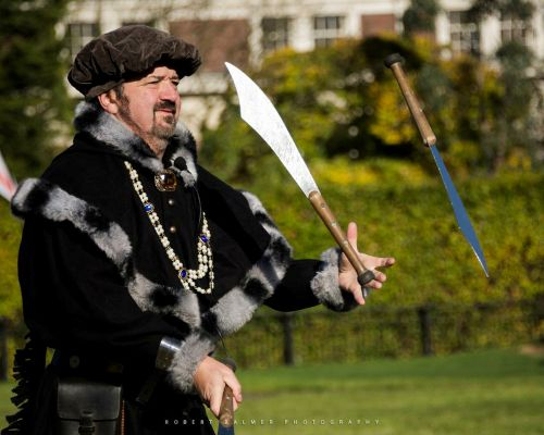 The Yorkshire Medieval Performer - Jester, Comedy Cabaret and Street Theatre