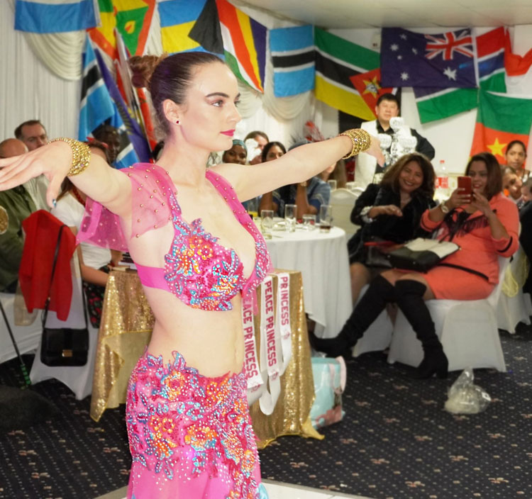The Bollywood Divine - Solo Bollywood Dancer