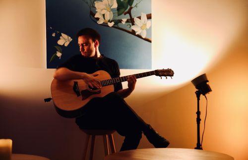 The Flamenco Funk Guitarist - Flamenco-Funk Fusion Acoustic Guitarist