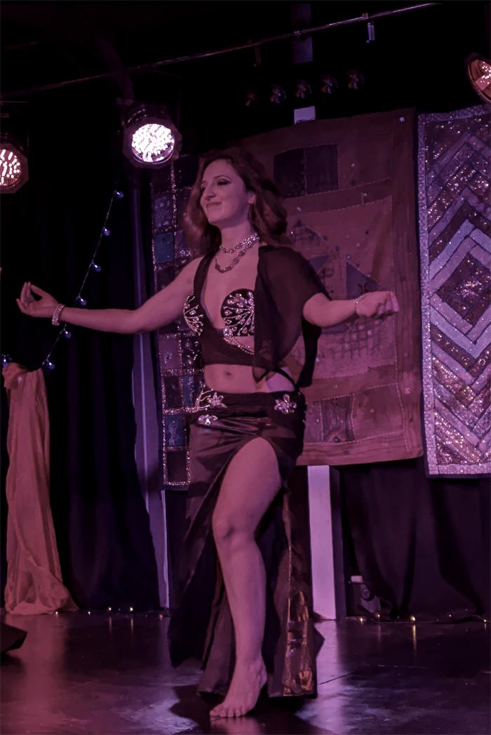 The Sussex Belly Dancer - Belly Dancer