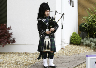 The Aberdeen Piper - Bagpiper