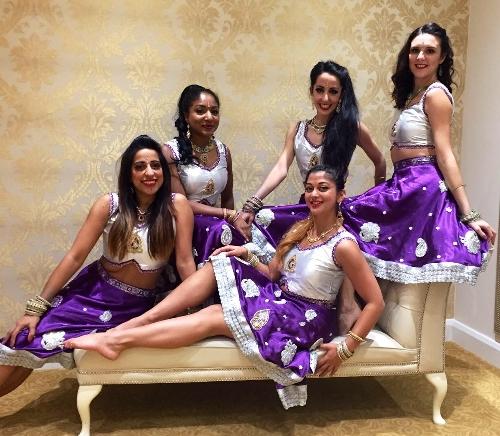 The Female Bollywood Dancers - Bollywood Dancers