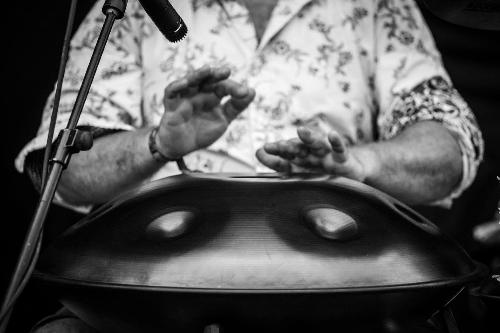 Hang Drum Sounds - Hang Drum & Handpan Player
