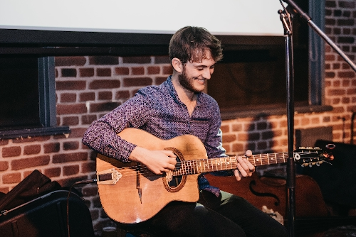 Alessandro Picadella - Acoustic Guitarist with Loop Pedal