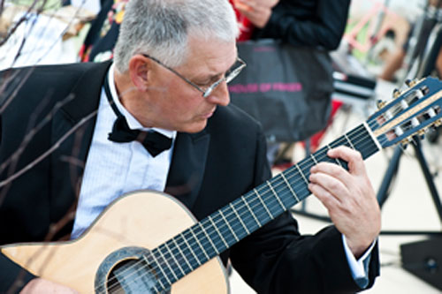 Richard Peterson - Classical Guitarist