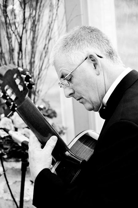 Richard Peterson - Classical Guitarist