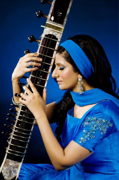 Anandi  - Sitarist - Concert Bookings Only