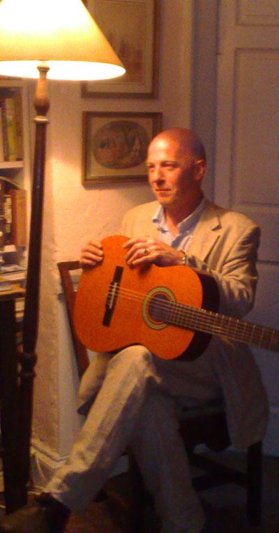 Martin Longwood - Classical Guitarist
