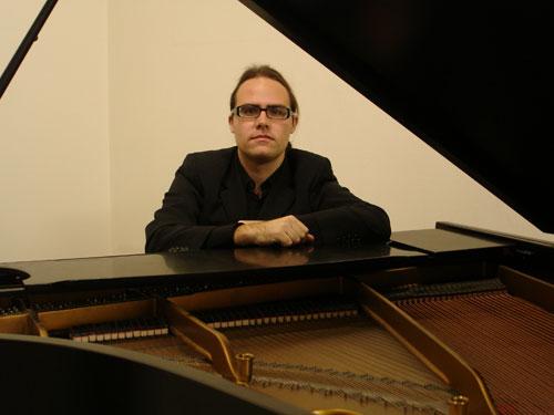 Fernando - Cocktail Pianist