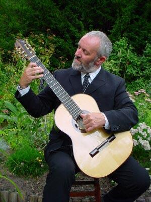 Daniel Brade - Classical Guitarist