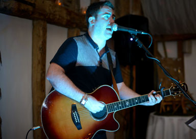 Jim McGuinness - Wedding Singer / Guitarist