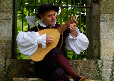 The Midlands Medieval Minstrel - Medieval Minstrel and Lute Player