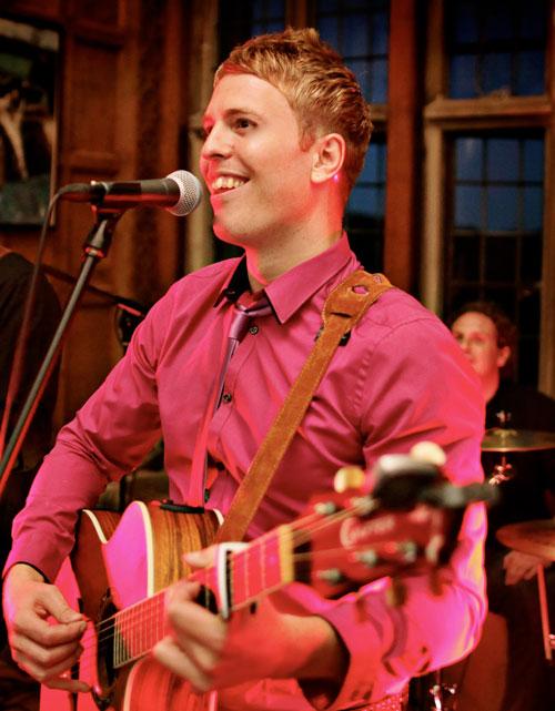Greg Simmonds - Wedding Singer/Guitarist