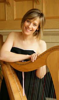 Clara Broyle - Harpist & Pianist