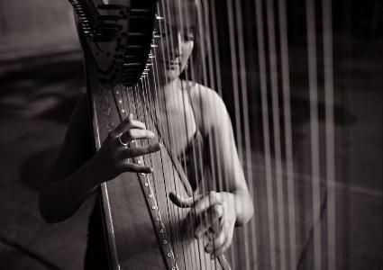 Ruby Maplin - Harpist